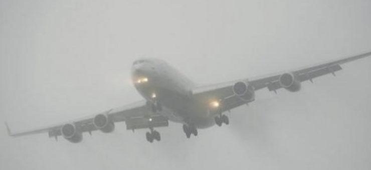 Un american are interdicție pe viață la zbor cu avionul după ce a ascuns că are Coronavirus